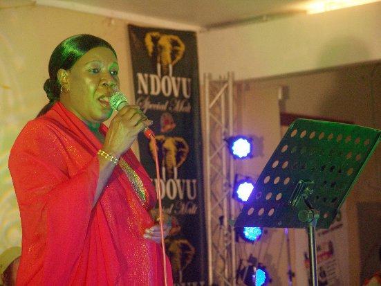 MWANAHAWA ALLY NA VIUMBE WAZITO – Bongo Celebrity